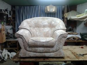 Перетяжка обивки кресла